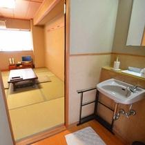6畳客室洗面所