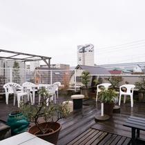 *【屋外施設(屋上)】こちらが屋上でございます。