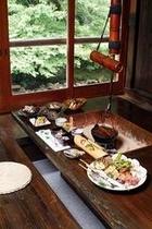 囲炉裏会席料理(中の部屋)