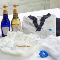 ◇お部屋の中の備品◇歯ブラシ・ヘアブラシ・かみそり・シャワーキャップ・コットンなどご用意しております