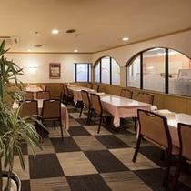 洋食5Fレストラン「ラ・ムー」