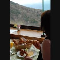 眺望を見ながらの朝食タイム・・・