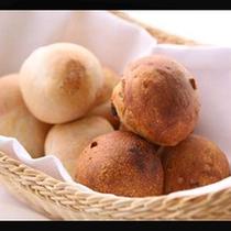 美味しいと評判の天然酵母のパン。当館手作り♪