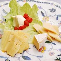 人気の追加メニュー【チーズの盛り合わせ】