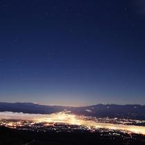ロマンチックな夜を下界を見ながら想いにふけてしまう・・・
