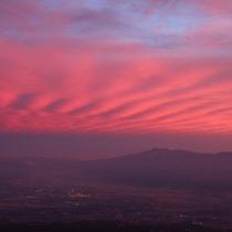 紅色に染まる夕暮れ空