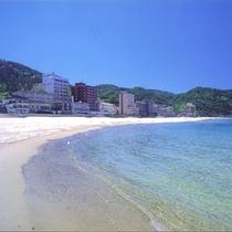 *ホテル前の海岸