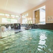 【大浴場】硫酸イオンを豊富に含んだお肌潤う天然温泉。