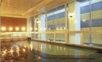 本館ホテル雄山の天然温泉大浴場