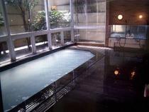 本館ホテル雄山の風呂