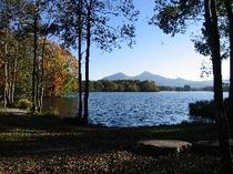 秋・曽原湖