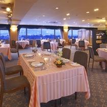 *【レストランベルビュー】眺望抜群のレストランで、景色とお食事を楽しむ。