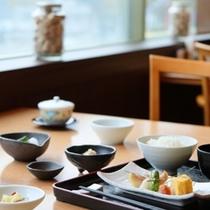 和食の器が料理を引き立てます
