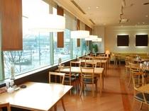 2Fレストラン「ガーデンズカフェ」