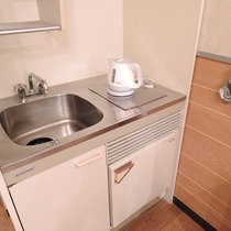 *[デラックスツイン/ミニキッチン]ワンちゃんの食器を洗ったり出来て便利