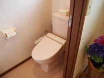 二階共同トイレ