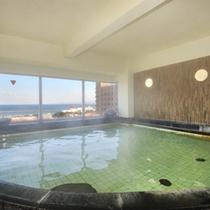 【本館サンバリー・展望温泉】向かい側の本館の展望温泉も、ご宿泊のお客様は無料でご利用頂けます♪