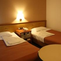 ツインルーム(一例) ゆったりお部屋 3名利用も大人気