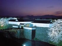 山形のお花見スポット 霞城公園 夜桜見物も可能 当館より徒歩約15分