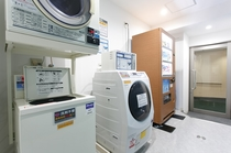 連泊でも安心のコインランドリー♪洗濯1回300円/乾燥機30分100円