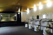 洗い場は全部で7台。混み合う時間には譲り合いにご協力をお願いします。