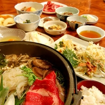 *【上州牛のすき焼き鍋コース一例】柔らか〜いお肉を甘いすき焼きたれで♪