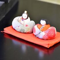 *【装飾品】施設内の各所には宮城県の民芸品が飾られております。