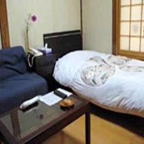 和風シングルというカテゴリーのお部屋。ビジネスや一人旅の方に。ベッドのシングルルームです。