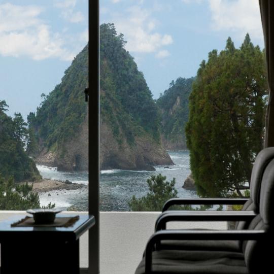 三四郎島正面・一望和室 写真提供:楽天トラベル