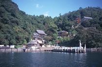 神の住む島 竹生島