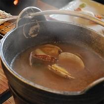 【ご朝食】磯仕立の赤出汁