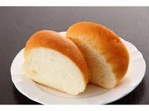 17. 朝食のパンは、オープン時から変わらず「金谷ホテル」のオーダーパンを使用。