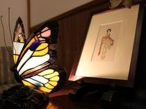 夢二の絵と蝶のライト