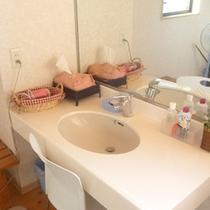 【共用洗面スペース】清潔感を保つように心がけております