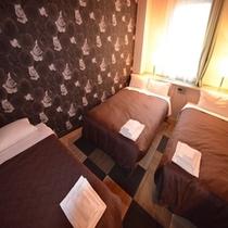 トリプルルーム<ベッド幅120cm+100cm>エキストラベッド