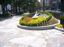 ★西川緑公園①★当ホテルから歩いてすぐの癒しスポットで、イベントも多数開催!