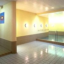 B1階大浴場・蔵風呂『つばきの湯』 右側より