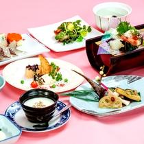 *【夕食:和洋会席膳】(一例)空豆や桜海老、春野菜など旬の食材を味わえる会席膳