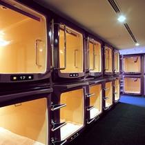 カプセルルーム(※大浴場も無料でご利用いただけます。)