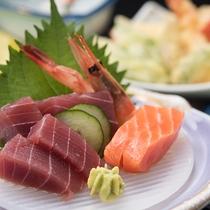 *【ご夕食一例/刺身】季節や仕入れによって異なるお食事をご用意しております。