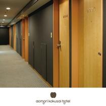 客室フロアは7階〜12階でございます。