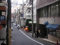 ホテル前坂道