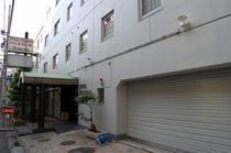 ホテル全景(昼間)