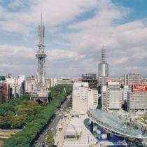 栄のシンボル「テレビ塔」と「オアシス21」はホテル目の前