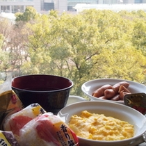 朝食会場からは、オアシス21を眺めることができます♪