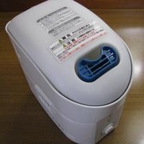 ◆加湿器◆フロント前の貸出し備品の中にあります