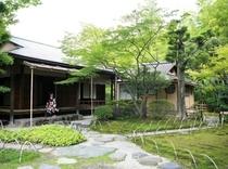 ホテル敷地内 日本庭園「有楽苑」と国宝茶室「如庵」