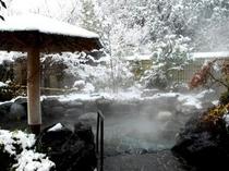 情緒あふれる雪景色の犬山温泉