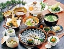 1泊2食特選とらふくコースの夕食(イメージ)