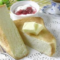 成田ゆめ牧場で人気の【過激な牛乳食パン】